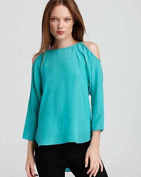 Sachin & Babi Blouse Cold Shoulder in Blue (seafoam)