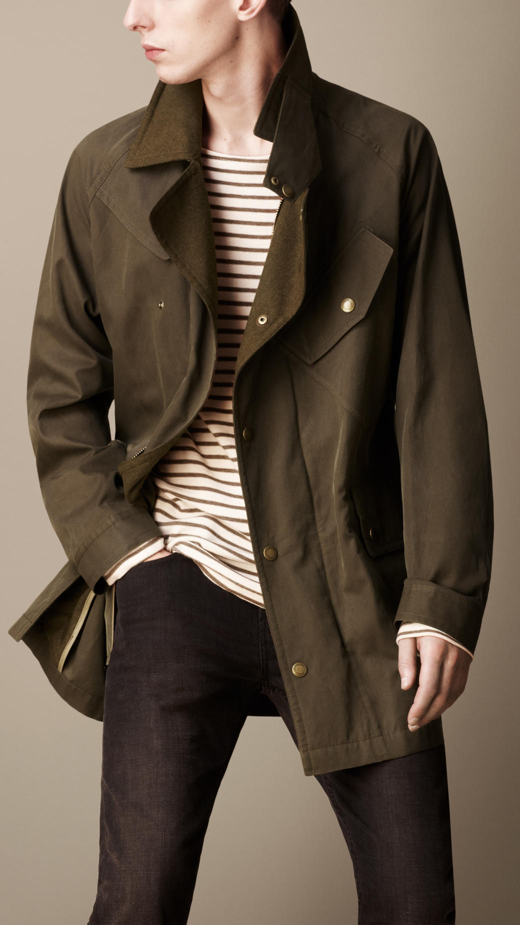 Burberry Brit Short Cotton Gabardine Trench Coat In