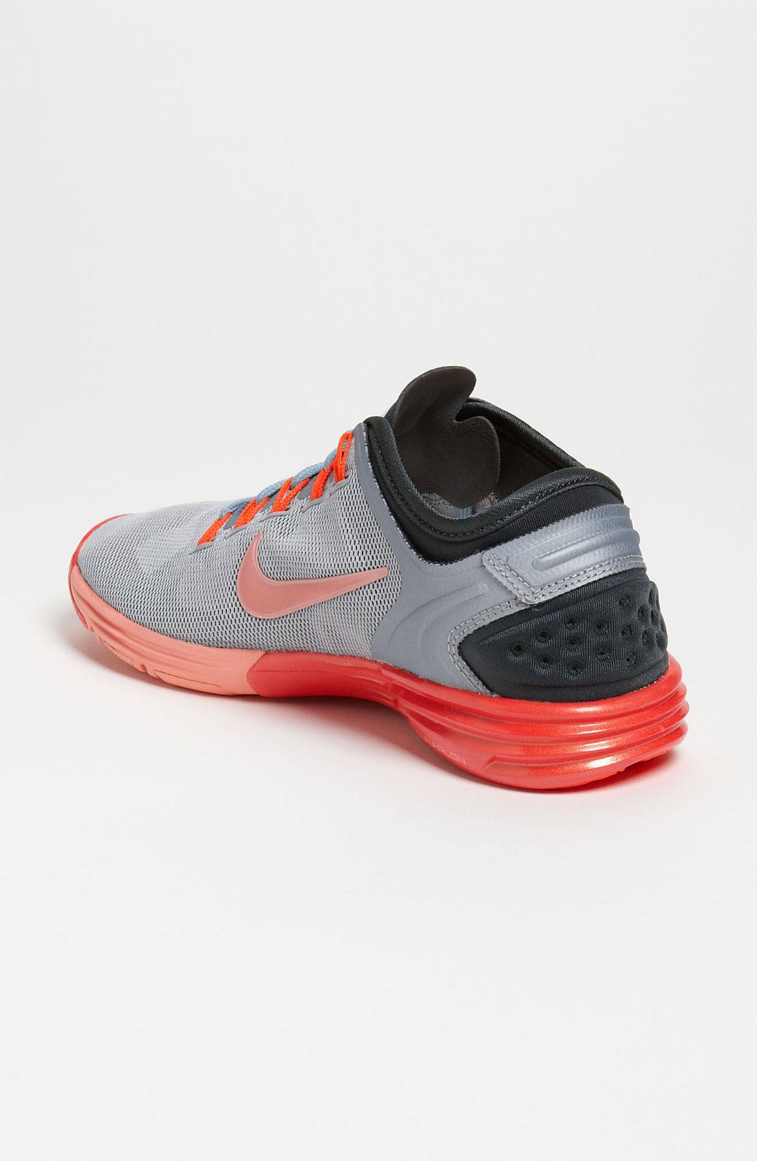 the latest 78e6c 058c7 ... Nike Lunar Hyper Xt Training Shoe Women in Gray Lyst ...