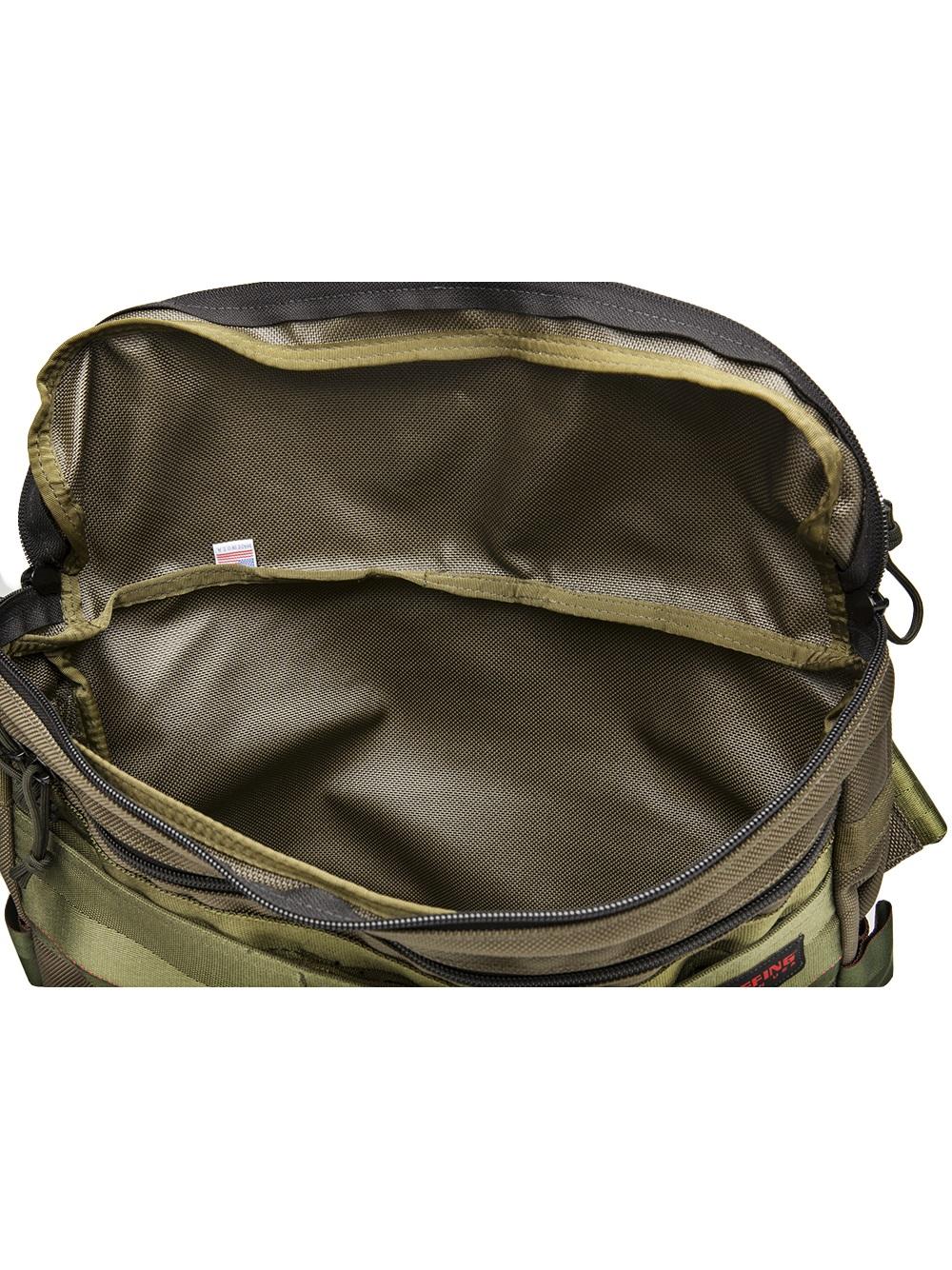 briefing dune shoulder bag in green for lyst