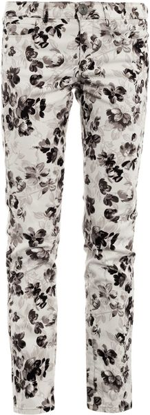 Weekend By Maxmara Floral Skinny Jeans in White (floral)