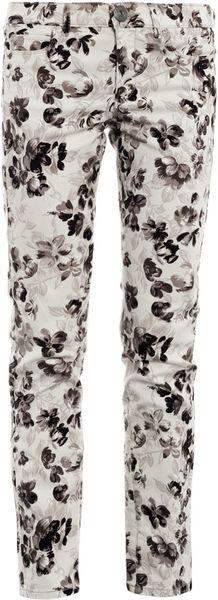 Weekend By Maxmara Floral Skinny Jeans in White (floral)