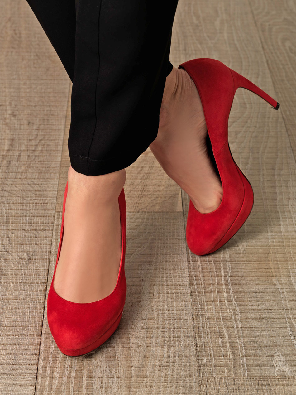 Alexander mcqueen Red Suede Shoes in Red | Lyst