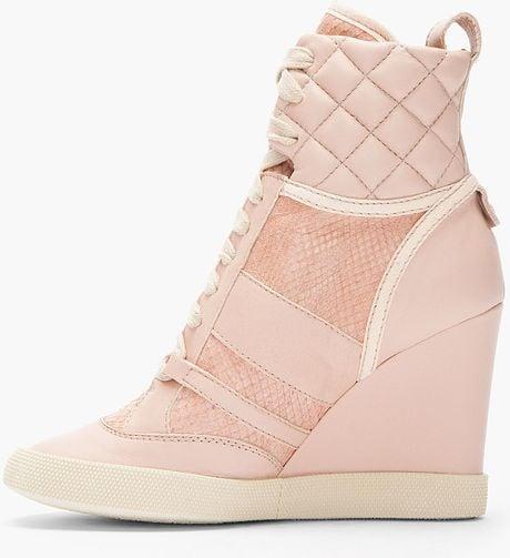 Chloé Pink Snakeskin Wedge Sneakers in Pink | Lyst