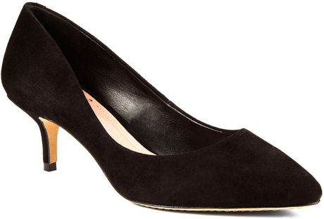 Vince Camuto Goldie Suede Pumps in Black (black suede)