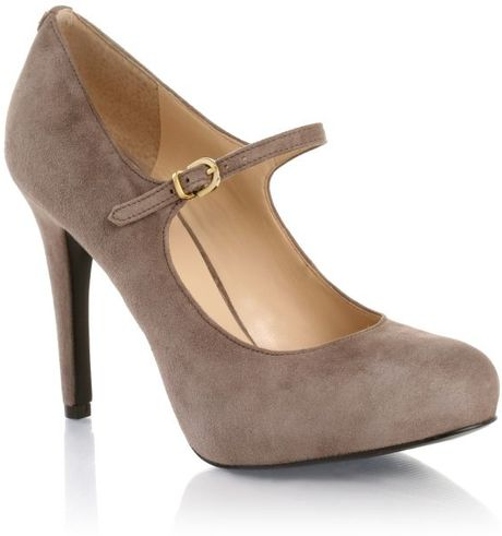 guess high heel mary jane shoes in beige lyst. Black Bedroom Furniture Sets. Home Design Ideas