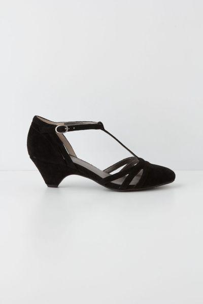 Nine West Heels T-strap Kitten Heel Sandal ~ Gold Sandals Heels