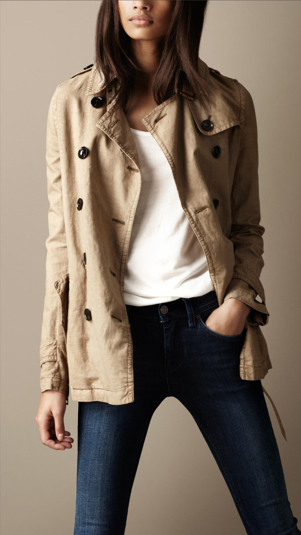 Burberry Brit Short Cotton Linen Trench Coat In Natural