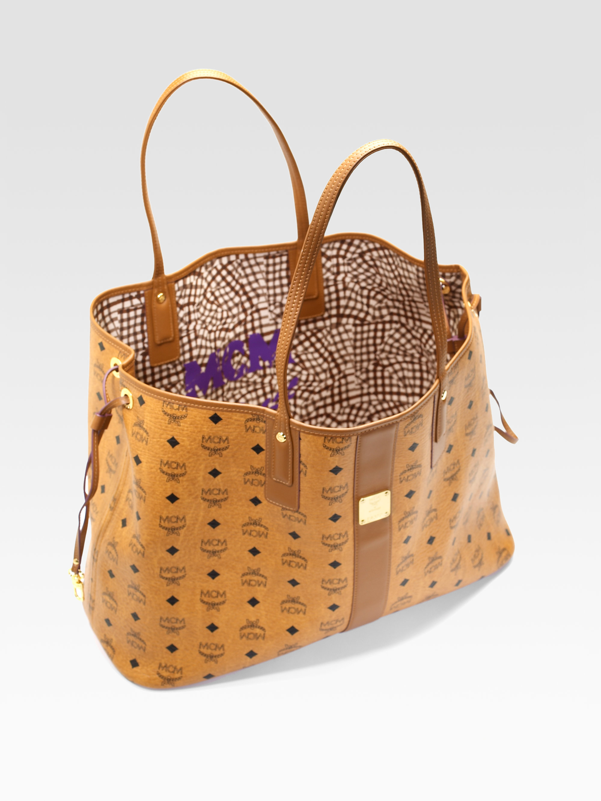 19d8f8ffd Gallery. Previously sold at: Saks Fifth Avenue · Women's Reversible Bags