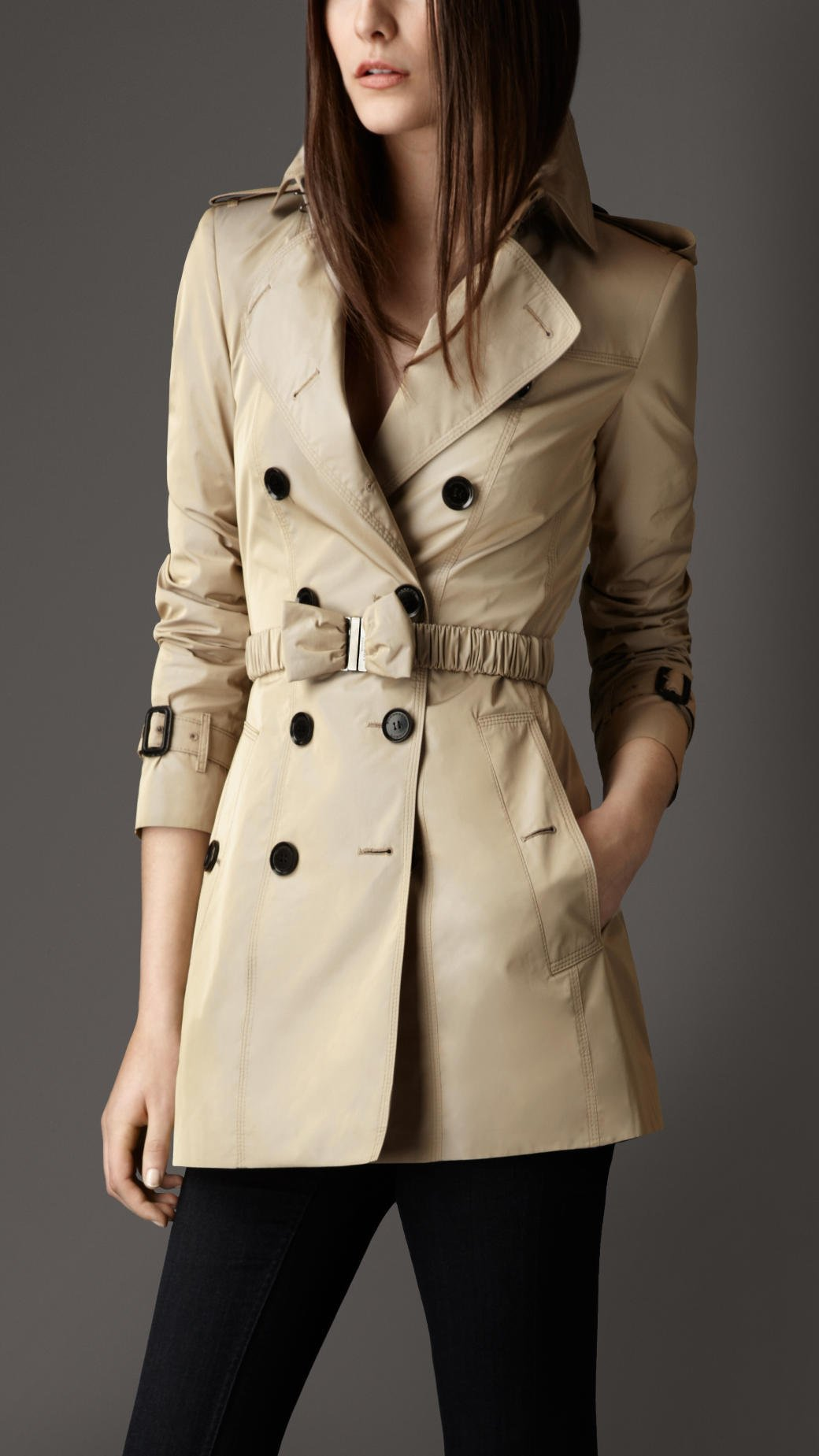 Burberry Short Bow Belt Trench Coat In Beige (birch)