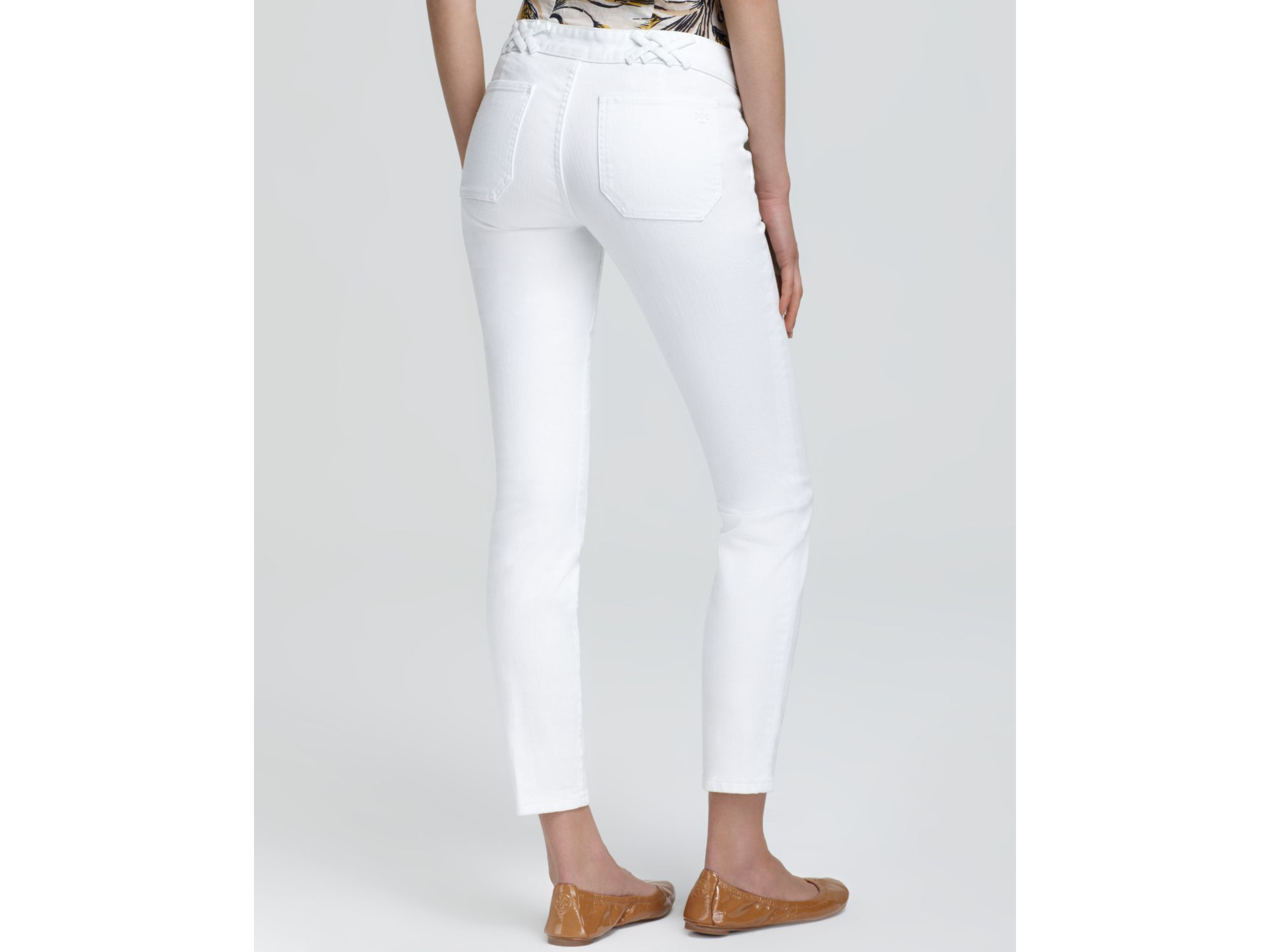 Tory burch Izzy Skinny Ankle Jeans in White | Lyst