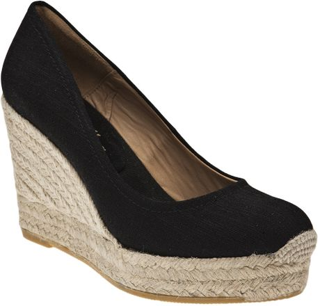 bettye muller closed toe wedge in black lyst