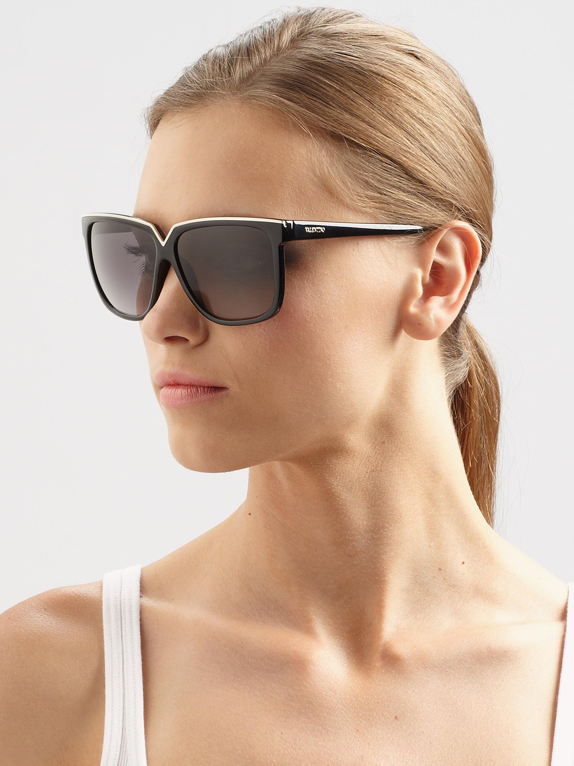 15d1f7ccd725c Valentino Oversized Square V Acetate Sunglasses in Black - Lyst
