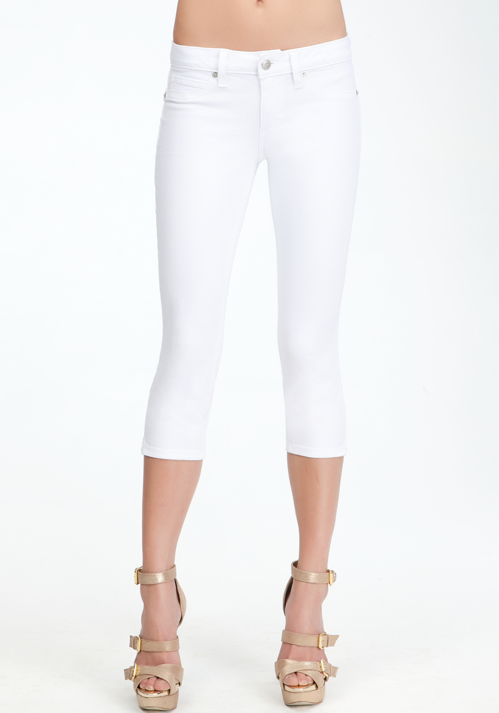 Bebe Side Slit Capri Jeans in White | Lyst