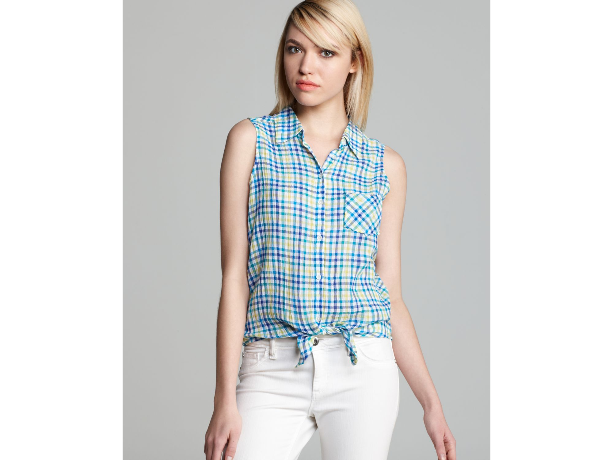 Sleeveless Collared Blouse
