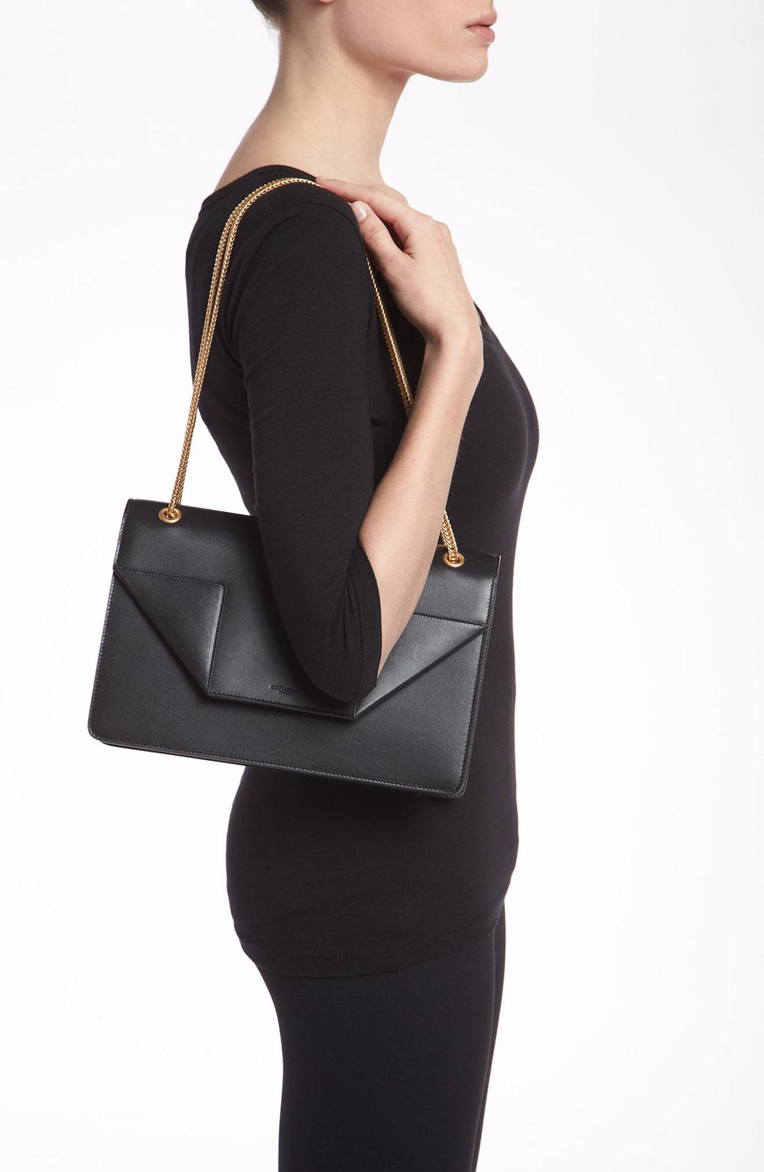 Saint laurent Betty Medium Leather Shoulder Bag in Black | Lyst