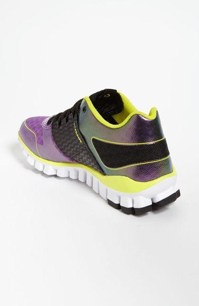 Reebok Realflex Strength Training Shoe Women in Purple (purple/ green