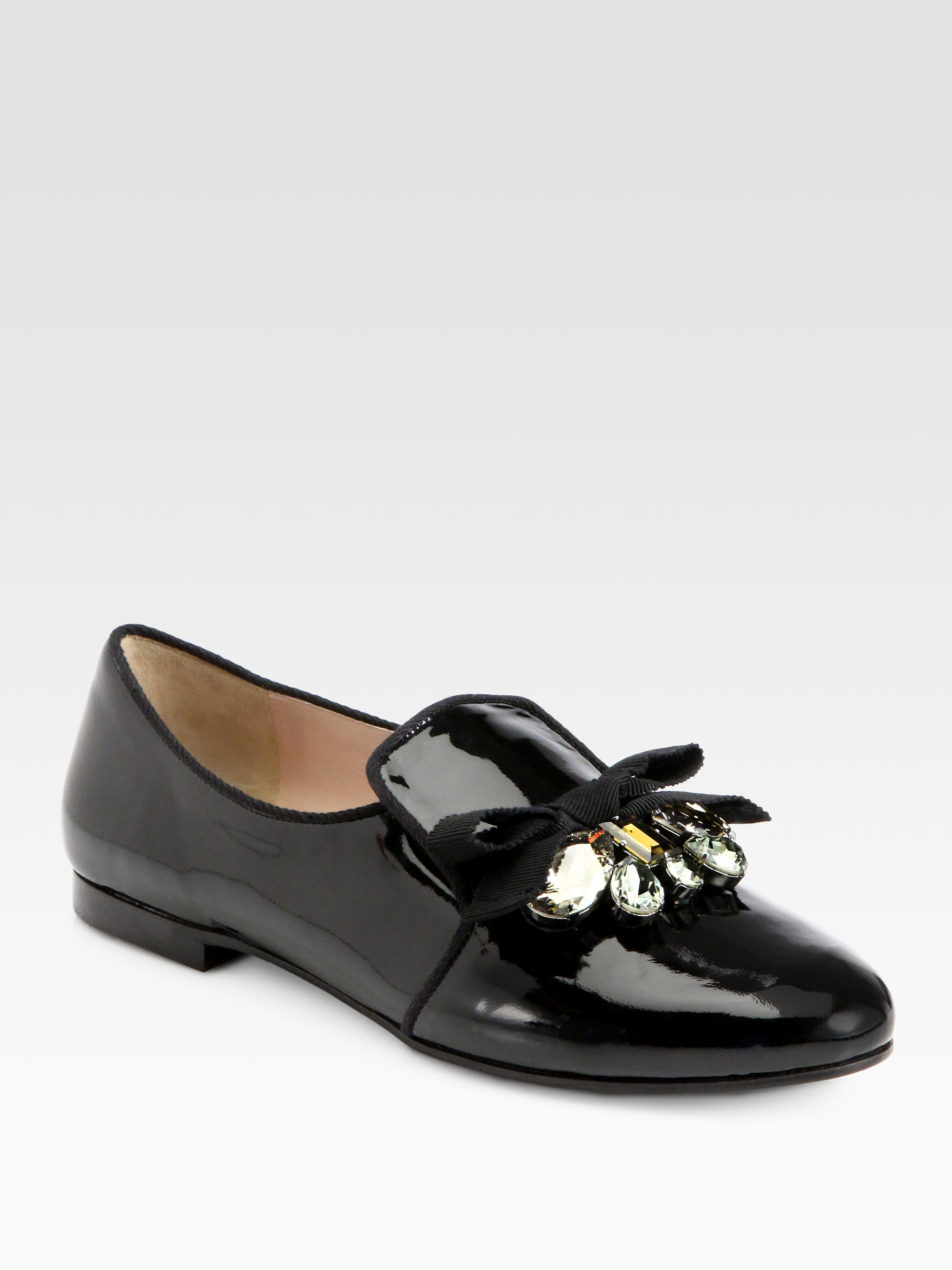 5d8ad8a25e80 Miu Miu Embellished Patent Leather Bow Loafers in Black - Lyst