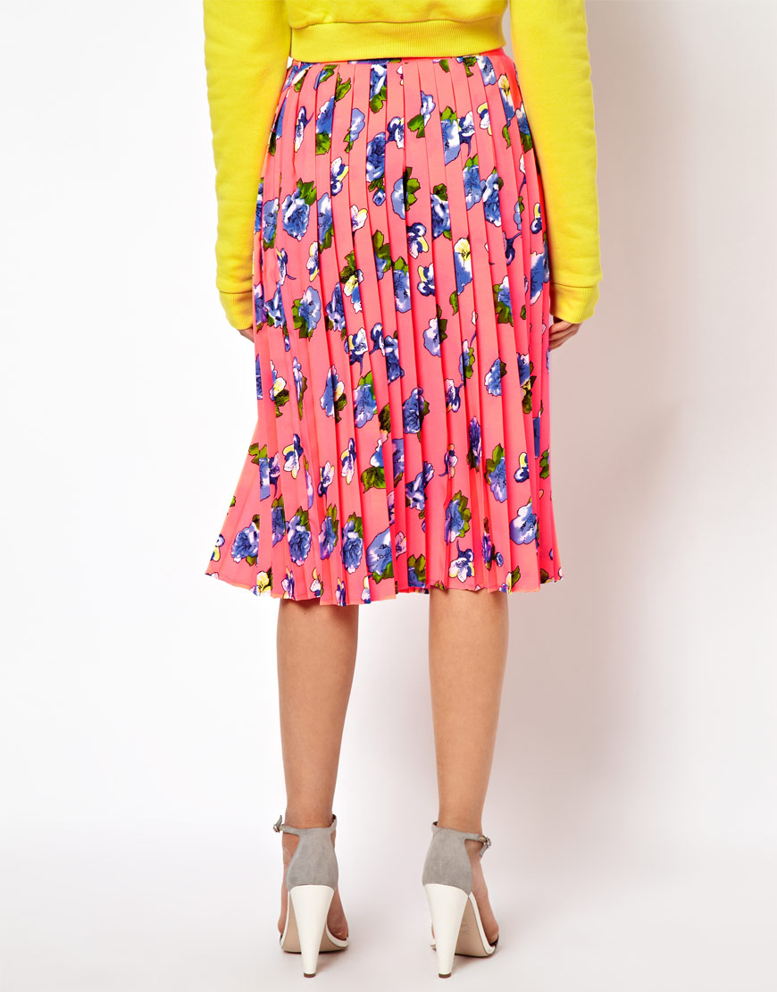 asos pleated midi skirt in floral print in pink lyst