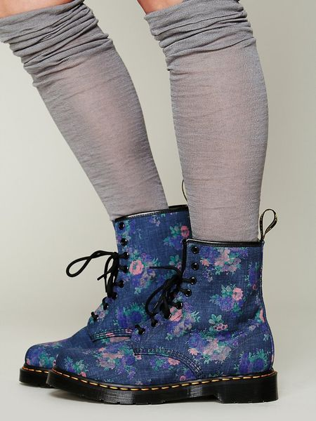 dr martens cecil bouquet doc martens in floral purple. Black Bedroom Furniture Sets. Home Design Ideas