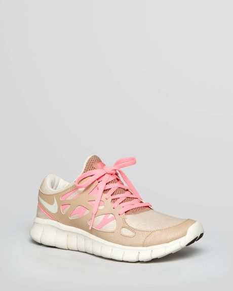 nike sneakers womens free run 2 prm ext in beige pink lyst. Black Bedroom Furniture Sets. Home Design Ideas