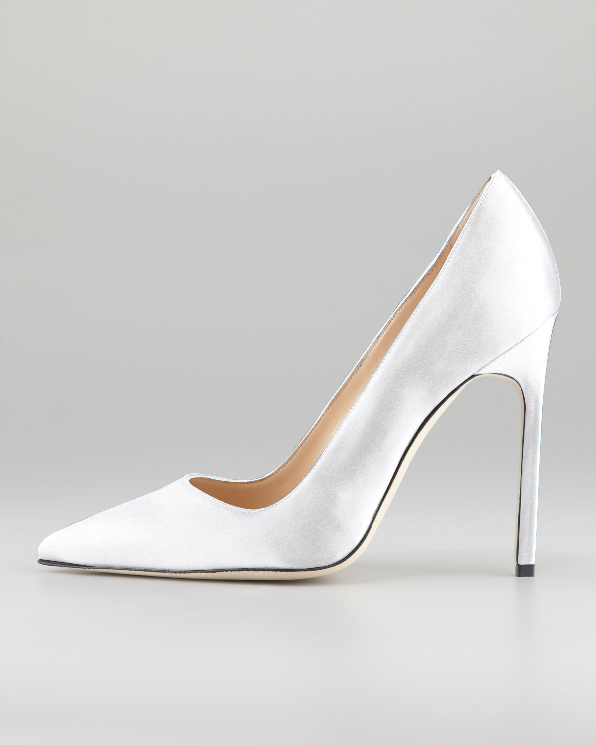 white manolo blahnik pumps