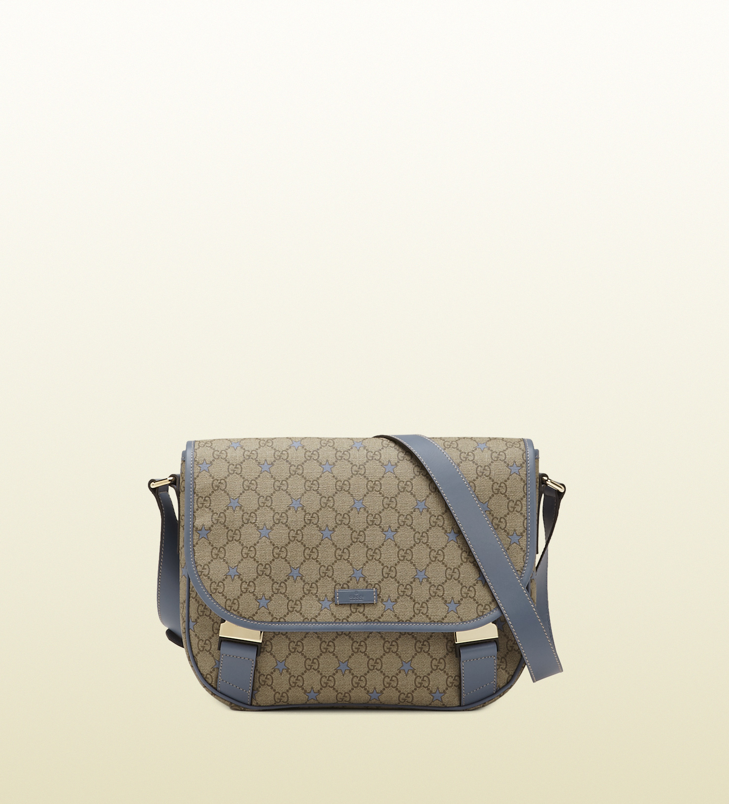 6d99d5a954b Gucci Medium Gg Supreme Stars Canvas Messenger Bag in Natural for ...
