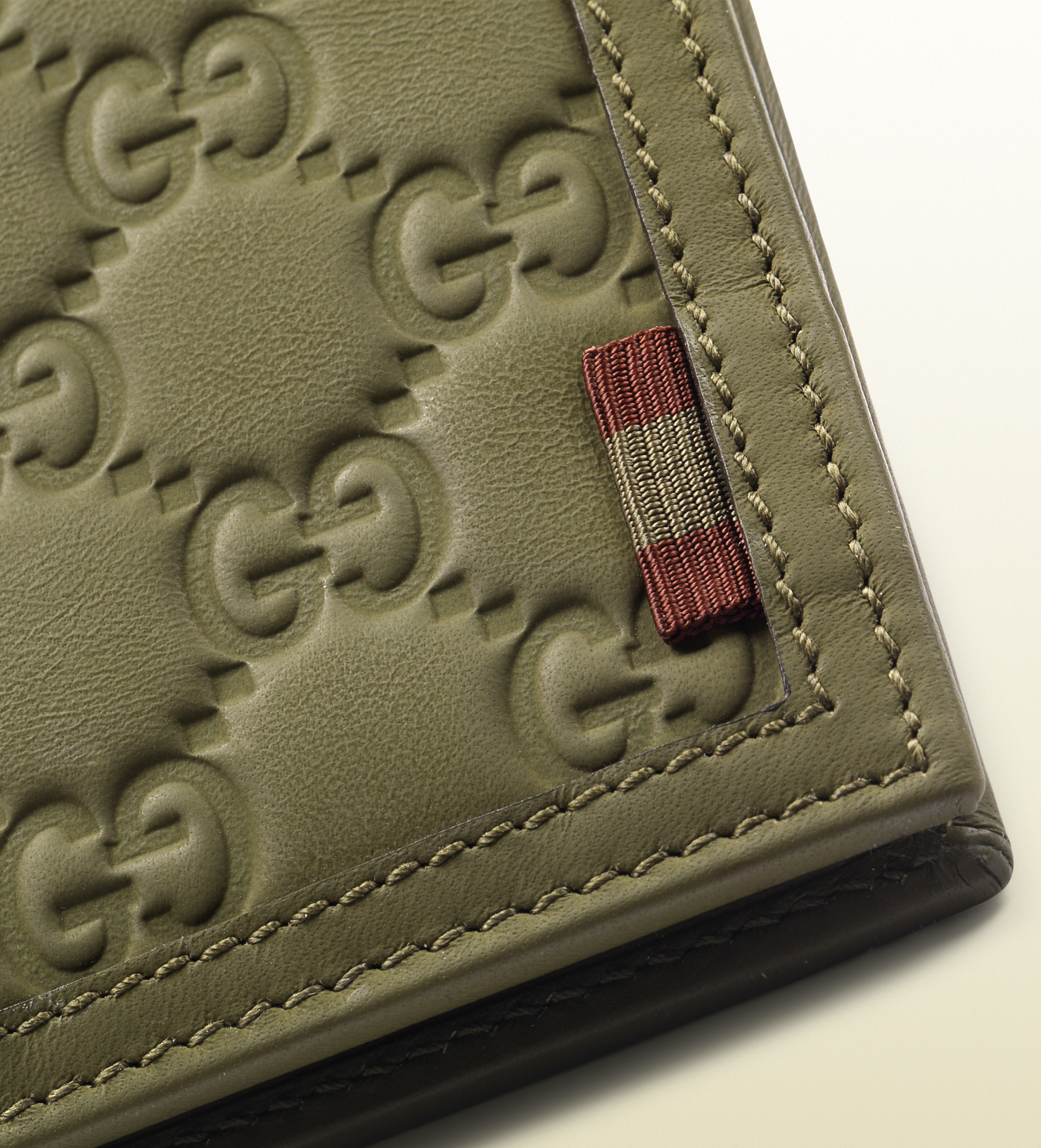 543bf4b9a1f6 Gucci Rubber Guccissima Leather Bifold Wallet in Green for Men - Lyst