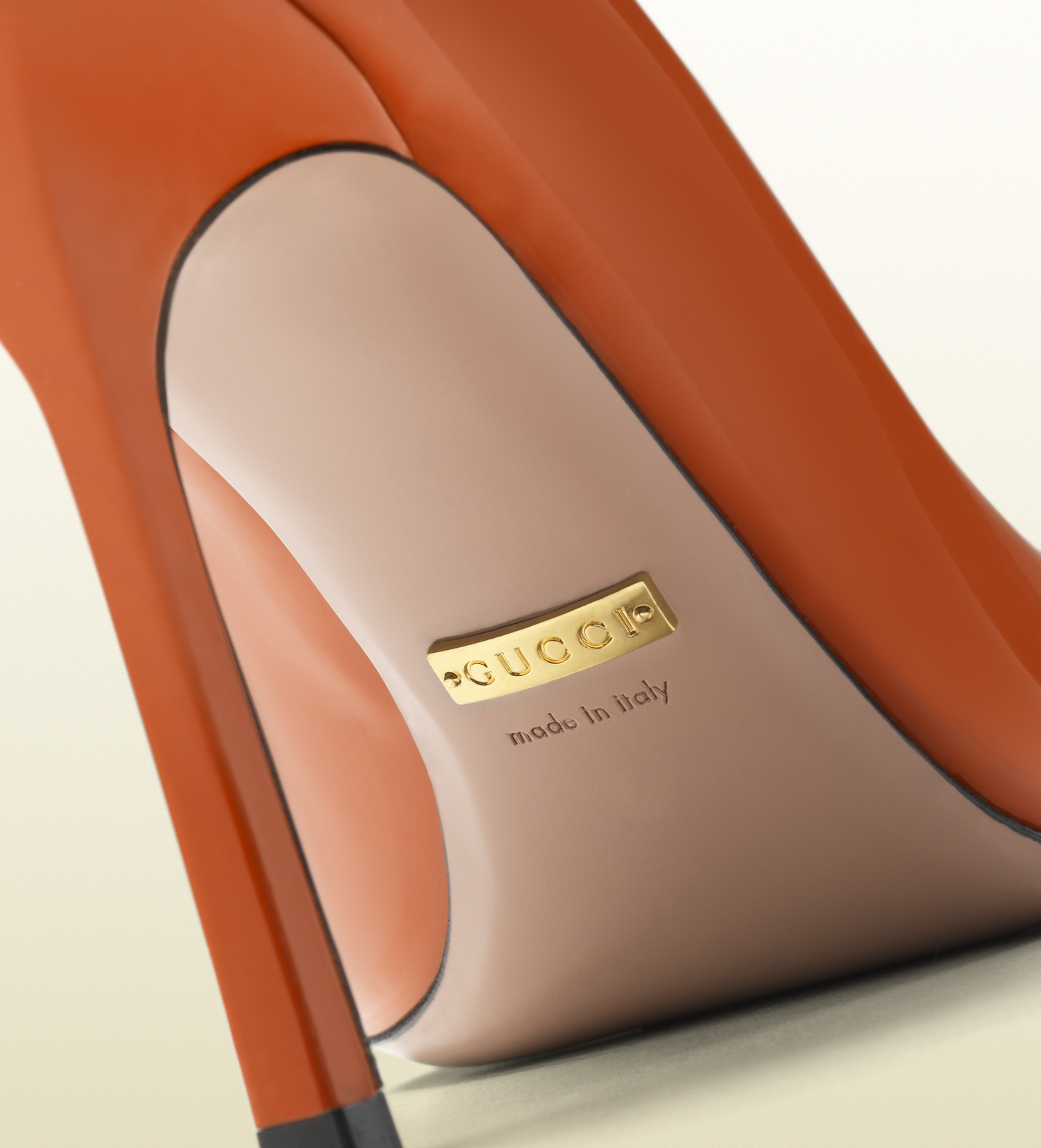 Lyst Gucci Jolene Patent Leather Pump In Orange