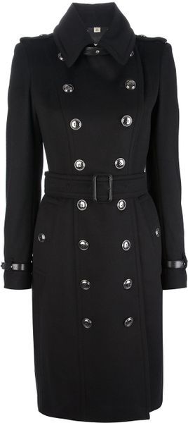 Burberry Duncannon Buttoned Coat in Black