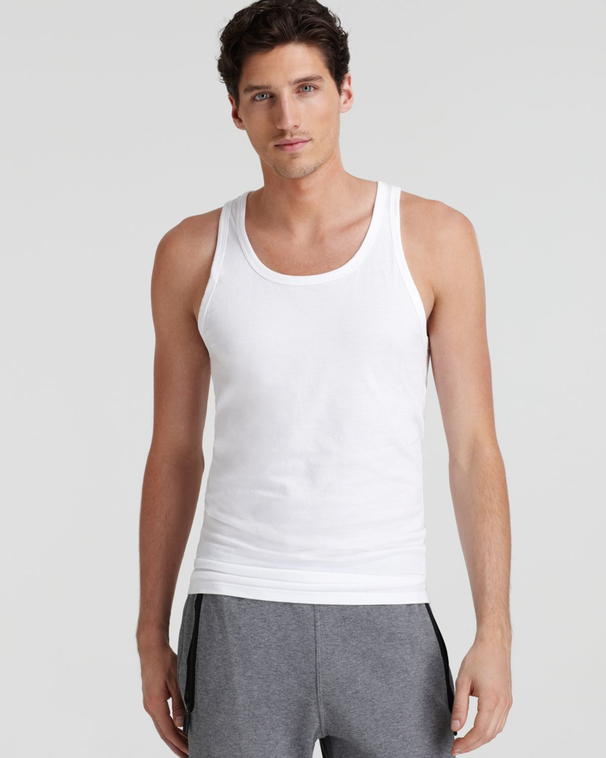 INSTANT SLIM-HOTER Slim Vest is the new generation body shaper for men. Shaping your chest, waist and stomach, it is designed for men and women. And it is specifically designed to reduce the appearance of Gynecomastia or