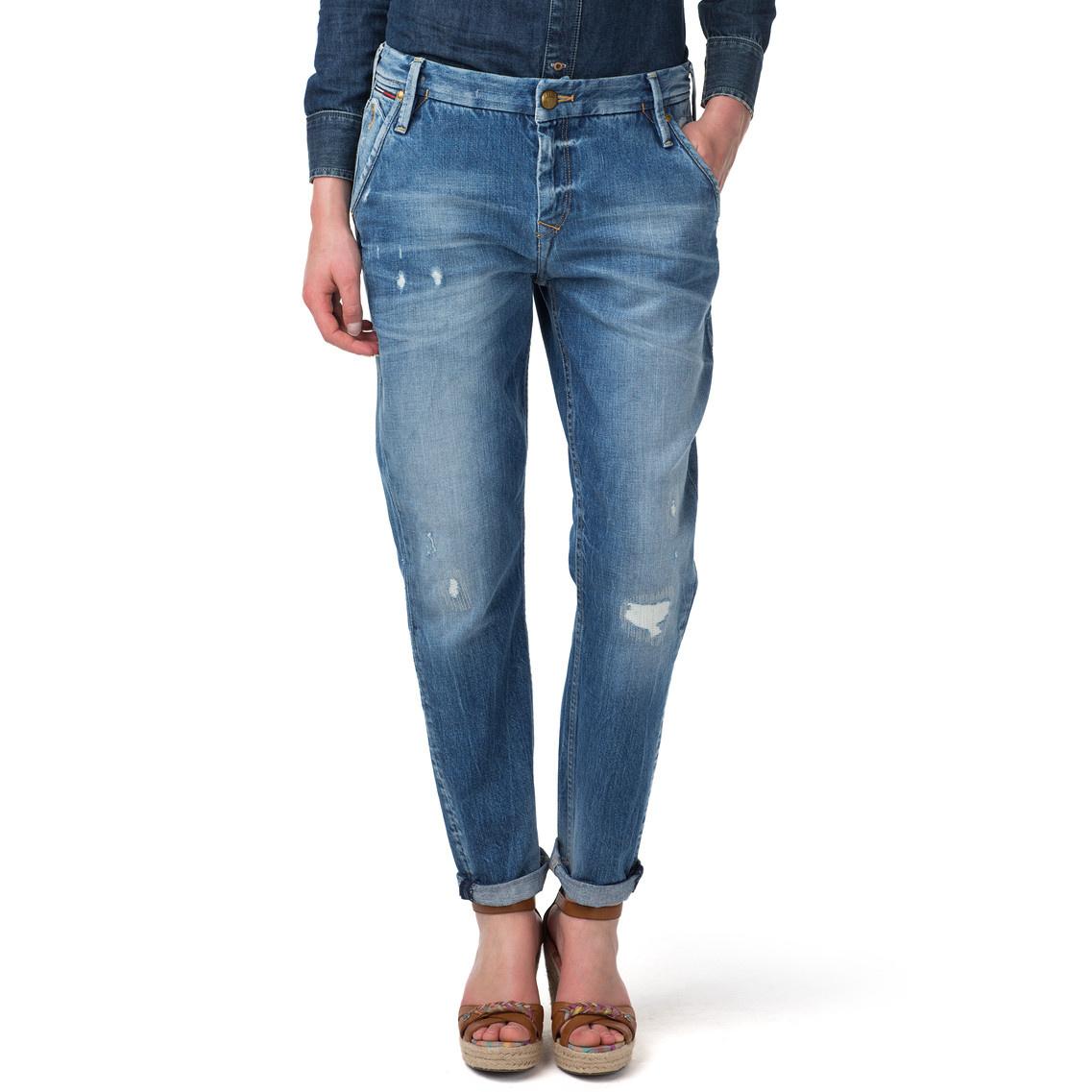 tommy hilfiger lidia boyfriend fit jeans in blue edison destructed lyst. Black Bedroom Furniture Sets. Home Design Ideas