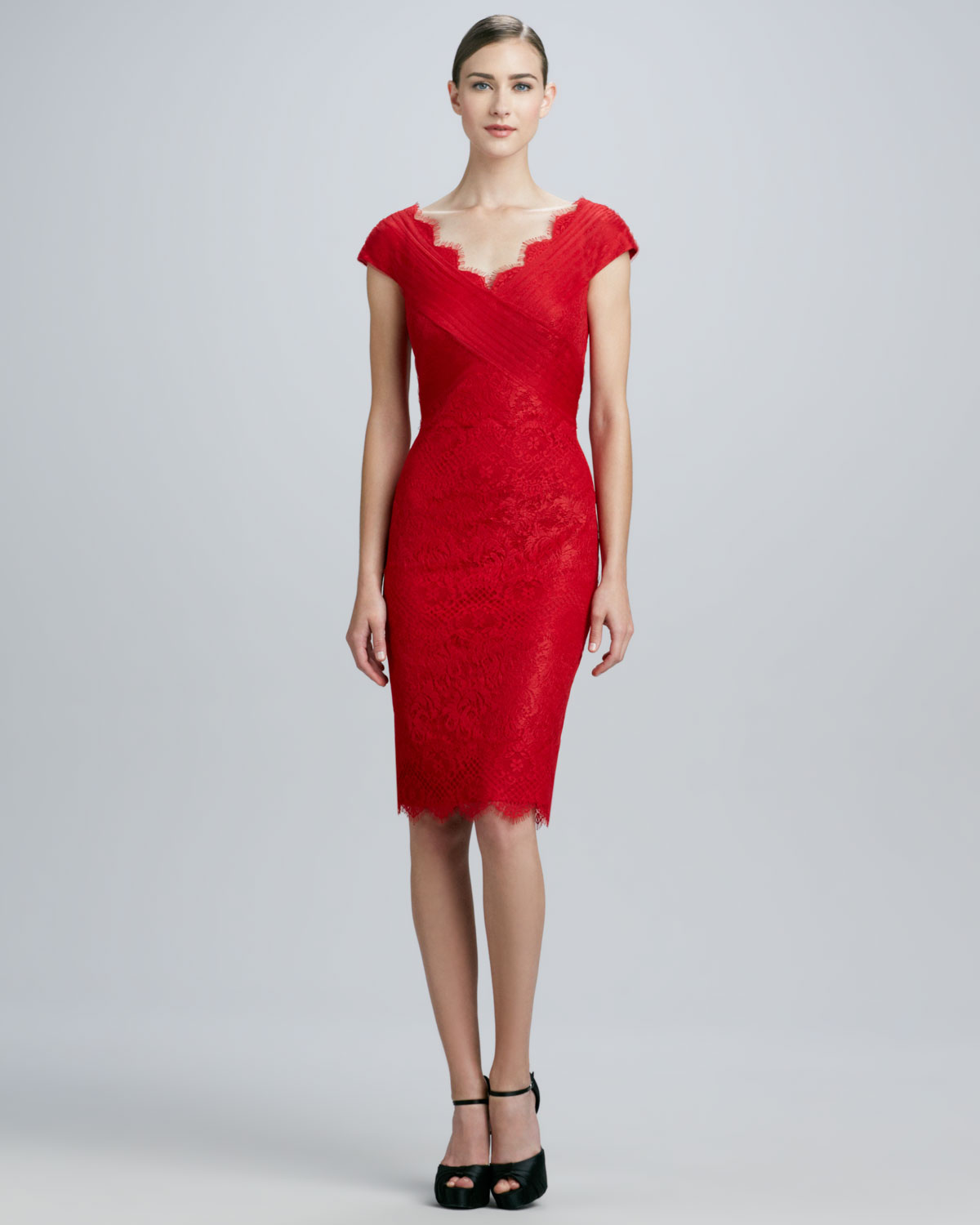 Tadashi shoji Scalloped Lace Cocktail Dress in Red | Lyst