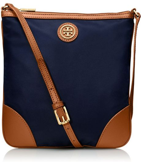 Tory Burch Robinson Nylon Swingpack in Blue (NAVY/AGED VACHETTA)