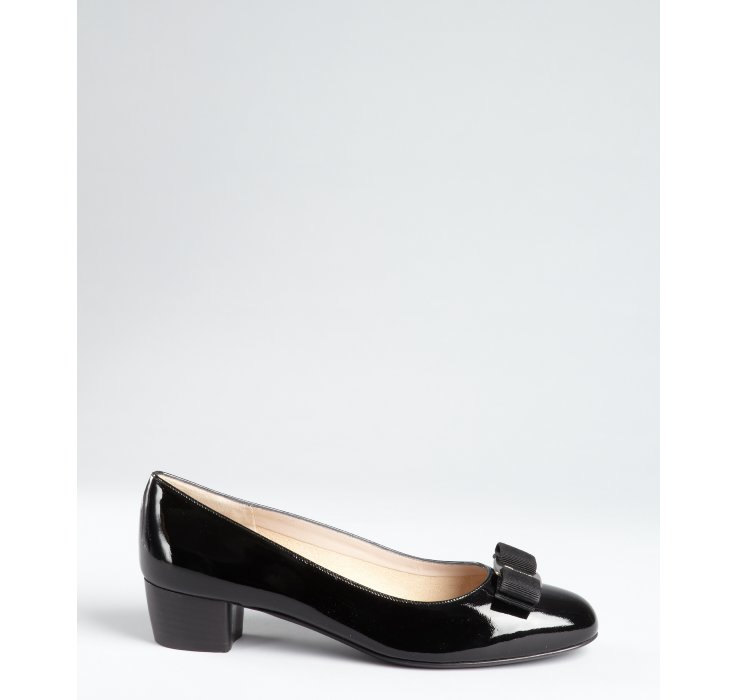 Ferragamo Black Patent Leather Vara Low Heel Pumps in Black | Lyst