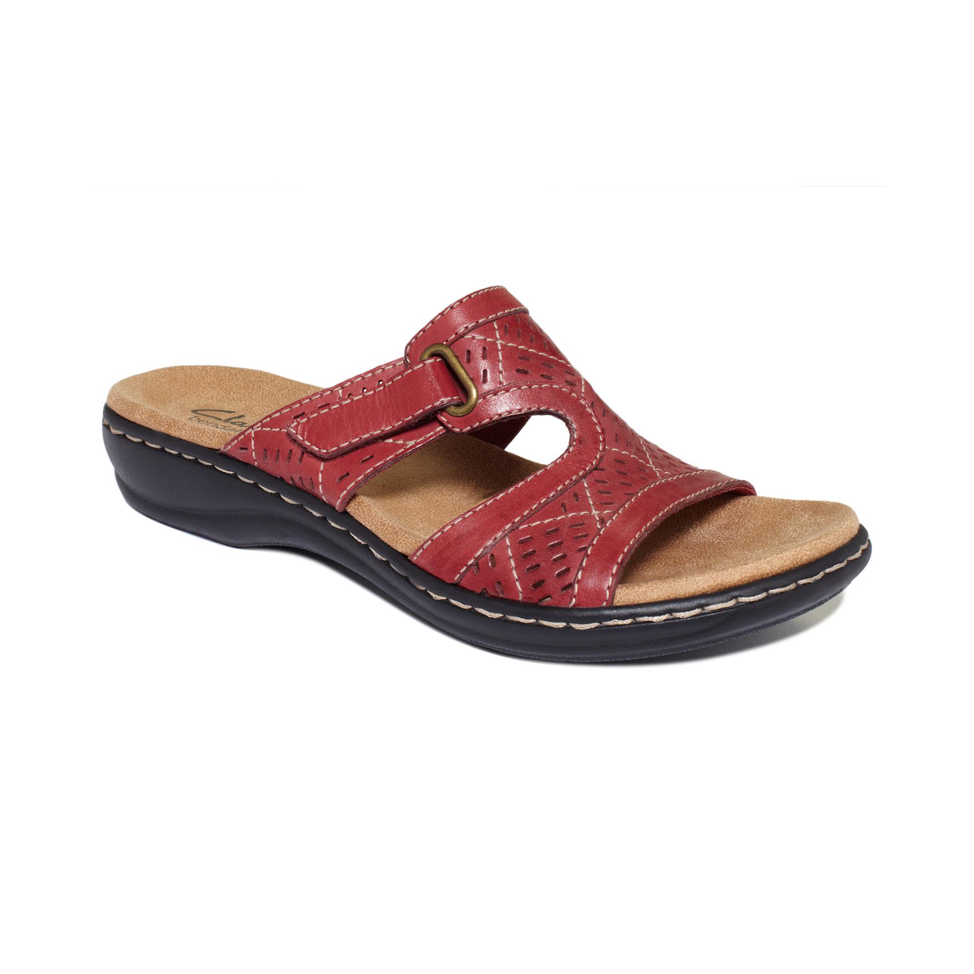 1c5cd5a8f4919c Clarks Ladies  Un Swish  Black Patent Casual Sandals