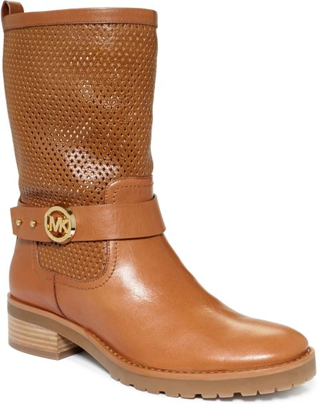 michael kors flat boots in brown luggage leather