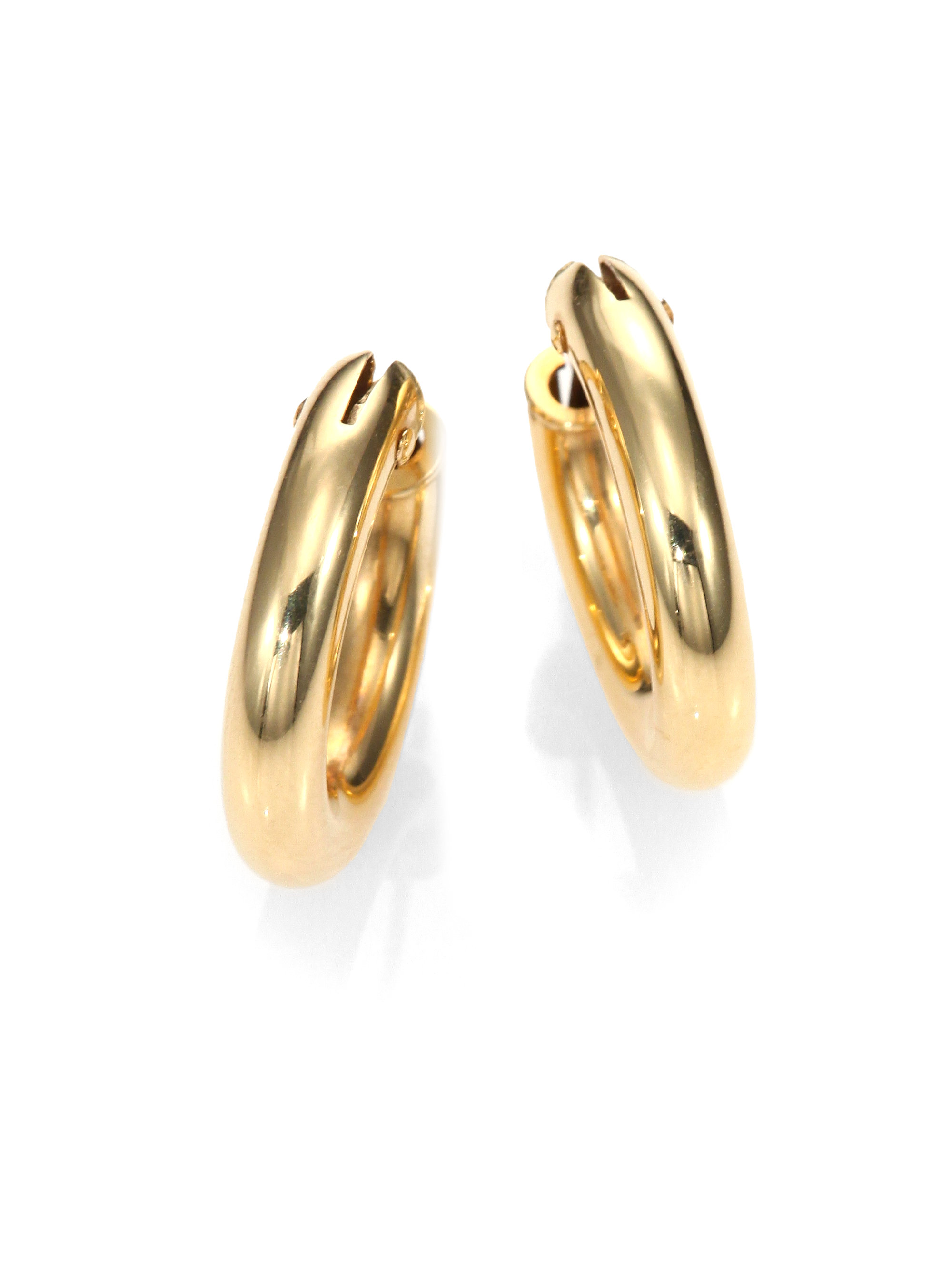 98042282d Inspired by the effortless style of French women, these earrings possess an  air of quotidien that so many emulate but very few accomplish.