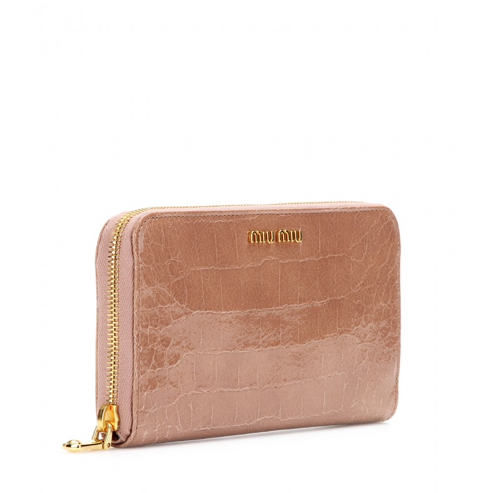 ... outlet store sale 0080f 3a372 Lyst - Miu Miu Croc Effect Patent Leather  Wallet in Brown ... efc9737842