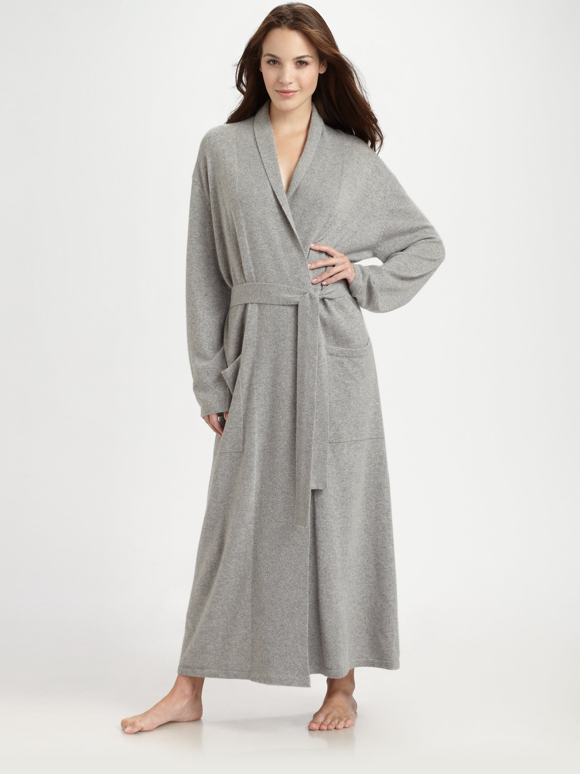 Lyst saks fifth avenue long basic cashmere robe in gray for Saks 5th avenue robes de mariage