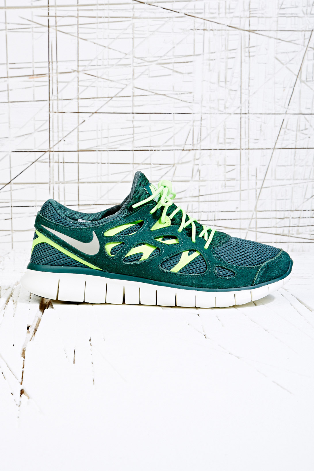 af331dd946eed Nike Free Run 2 Trainers in Vintage Green in Green for Men - Lyst