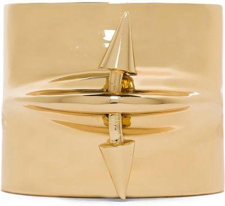 Jennifer Fisher Pierced Cuff in Gold (Metallics)