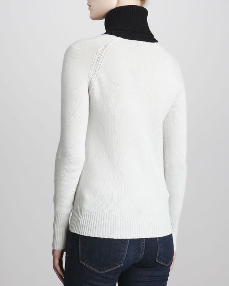 Theory angine s loryelle turtleneck sweater in white icy for Angine remede maison