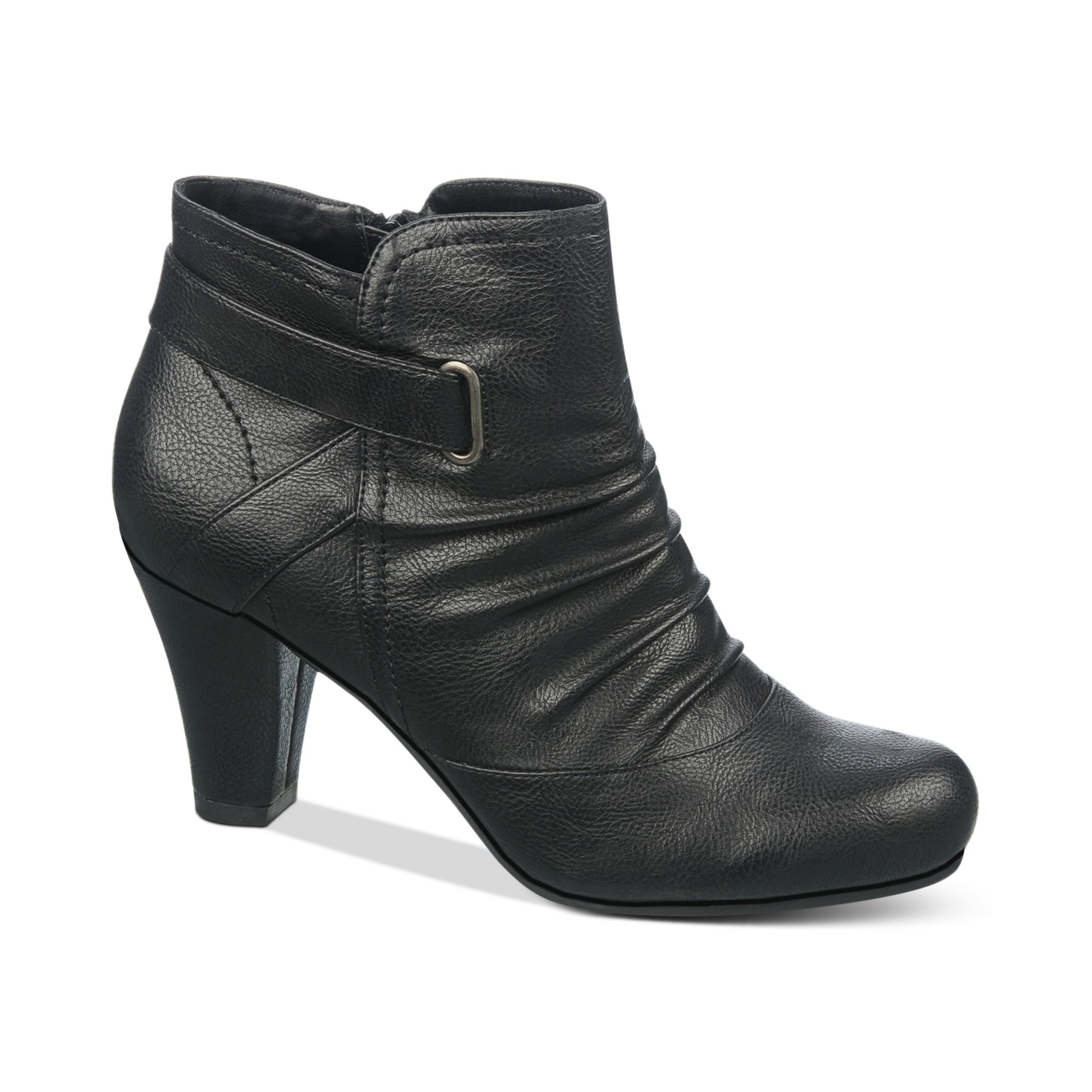 Even your standard go-to shoes have a lot to say when they've got their own attitude. Nothing's cooler (or more classic) than black leather ankle boots with jeans and a moto jacket. Maybe you prefer a contrast zip, a trending heel shape or tasteful lace-up combat boots.