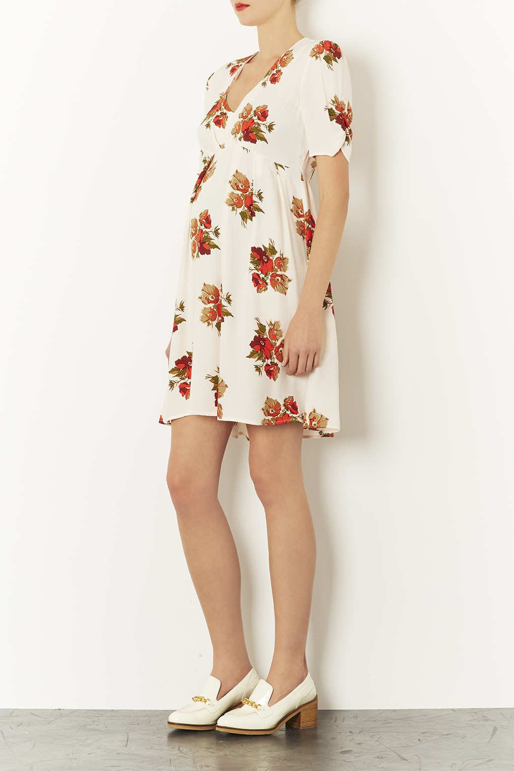 bf3fbc9423064 TOPSHOP Maternity Autumn Floral Dress in Natural - Lyst