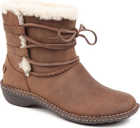 ugg rianne leather boots