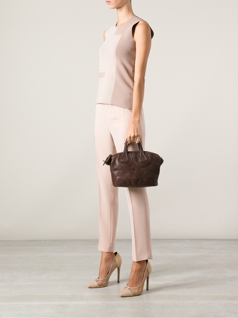 b0a9239c217a Gallery. Previously sold at  Farfetch · Women s Givenchy Nightingale ...