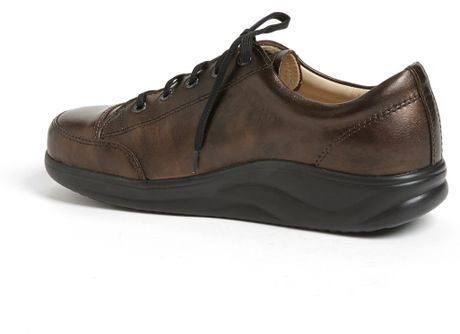 finn comfort finnamic by ikebukuro walking shoe in brown