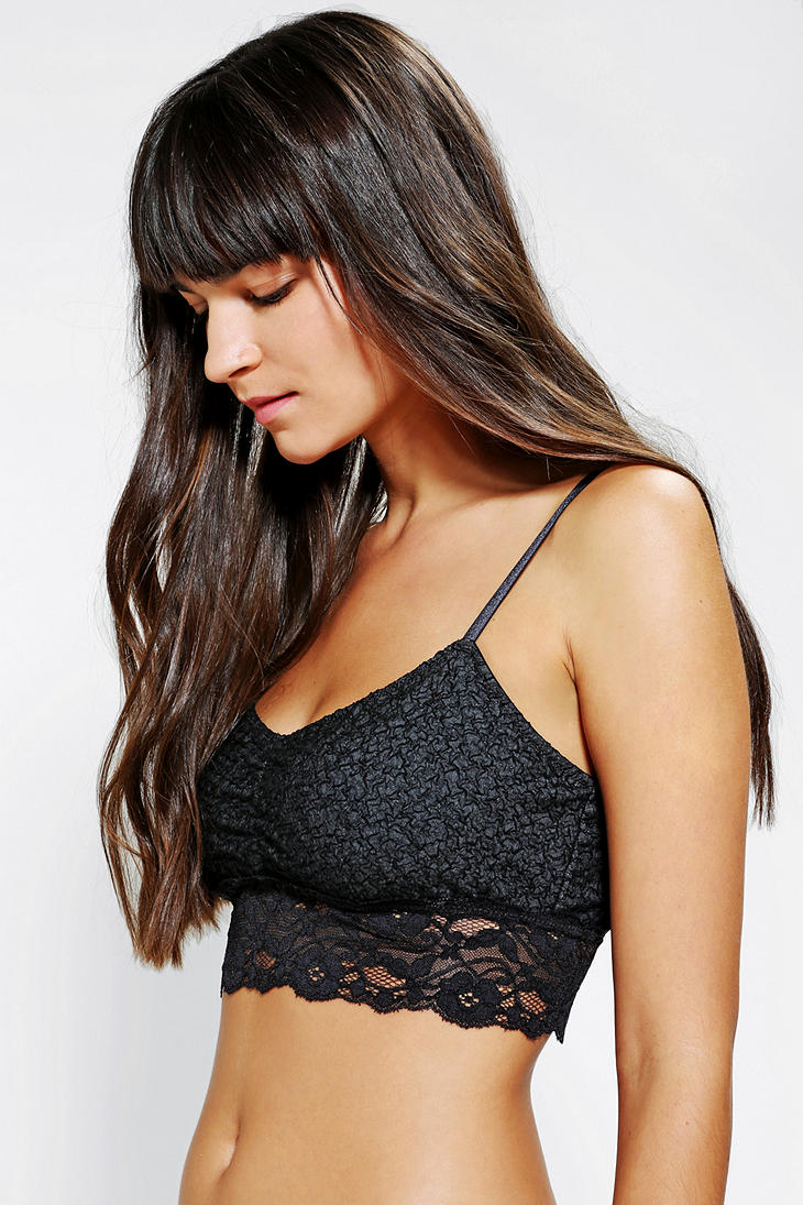 af664733bc8e5 Lyst - Urban Outfitters Kimchi Blue Scallop Lace Bralette in Black