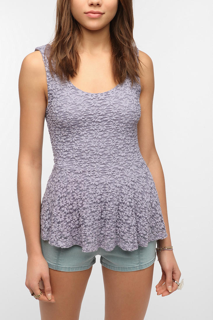 541c4d8657693 Lyst - Urban Outfitters Pins and Needles Daisy Lace Peplum Tank Top ...